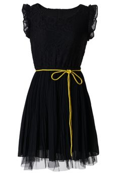 Lace Pleated Dress With Belt in Black