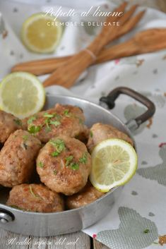 Delicate and creamy lemon meatballs - Meat Recipes Meat Recipes, Salad Recipes, Minced Meat Recipe, Best Italian Recipes, Mince Meat, Italian Cooking, Meatball, Southern Recipes, Meatloaf