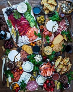 Happy New Year friends! Thank you for the love, likes, comments, and for being so freakin rad. So pumped for 2017 - lots of big surprises,… Charcuterie Cheese, Charcuterie Platter, Party Platters, Food Platters, Good Food, Yummy Food, Appetizer Recipes, Appetizers, Party Snacks