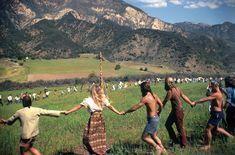 hippie life 400116748146969394 - The Last Great California Hippie Commune is still going Strong Source by angesvagabonds Happy Hippie, Hippie Love, Hippie Man, Hippie Couple, Hippie Things, Janis Joplin, Woodstock, Hippie Vintage, 1970s Hippie