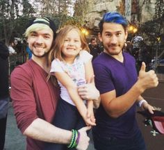 They look they could be a little family and it makes my shipping heart heart because this is so cute