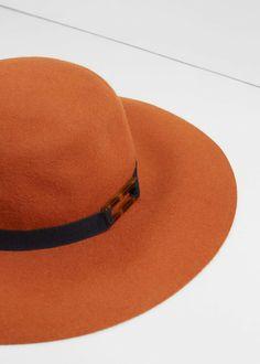 Wool hat by Mango
