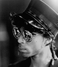 Still of Prince in Sign o' the Times--a very steampunk look.