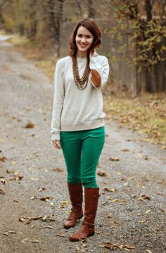 Naturalizer boots on Green Week Linkup: 4 Ways To Wear Green Pants | The Cream to My Coffee