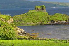 Foto de Castelo de Knock na Ilha de Skye, na Escócia.  Parte da Grã-Bretanha Express Travel and Heritage Library Imagem, coleção Escócia.