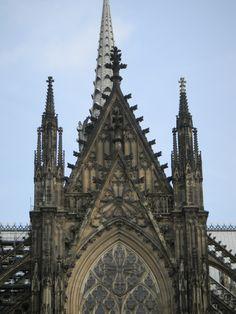 O estilo gótico da Catedral de Colônia - Alemanha
