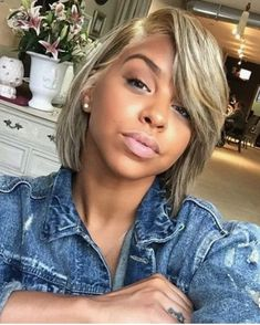 Want some change and looking for collection of trendy bob hairstyles? In this post you will find the images of 35 Bob Hairstyles 2016 that you will love! Afro Hair Style, Curly Hair Styles, Natural Hair Styles, Blonder Bob, Pelo Natural, Blonde Natural Hair, Ash Blonde, Hair Styles 2016, Love Hair