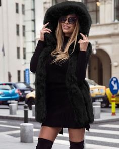 Vesta blana cu gluga neagra eleganta Casual, Sweaters, Dresses, Fashion, Lady, Vestidos, Moda, Fashion Styles, Sweater