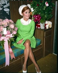 It's The Pictures That Got Small ... 1960s Fashion Women, Vintage Fashion, Womens Fashion, Sharon Tate Pictures, Smoking, Vintage Hollywood, Vintage Beauty, Celebrity Photos, Celebrities