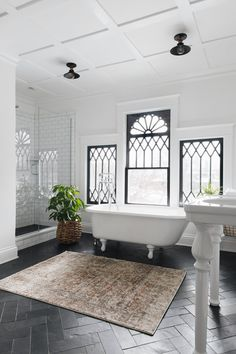 Modern Victorian bathroom, dream house bathroom design, Original article and pictures. Style At Home, Dream Bathrooms, Beautiful Bathrooms, Luxury Bathrooms, Master Bathrooms, Bathroom Blinds, Marble Bathrooms, Bathroom Windows, Master Baths