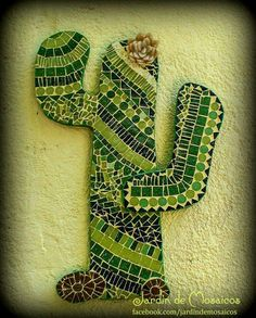 Mosaic Garden Art, Mosaic Tile Art, Mosaic Diy, Mosaic Crafts, Mosaic Glass, Stained Glass Paint, Stained Glass Patterns, Mosaic Patterns, Glass Cactus