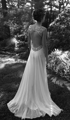 Love this backless dress.