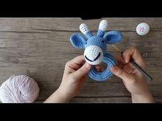 Amigurumi Zürafa Çıngırak – Part 1 - Baby Clothing Crochet Game, Crochet Teddy, Crochet Bunny, Love Crochet, Crochet For Kids, Crochet Dolls, Baby Rattle, Crochet Blanket Patterns, Amigurumi Doll