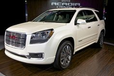 2013 GMC Acadia has front-center airbag