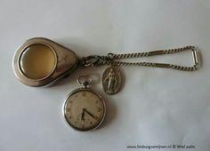Kinzle horloge, doosje en Barbaramedaille.