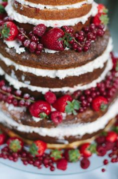 Naked Cake @Susannah Johnston ....do you think you could actually do something like this instead? (doesn't have to be cream cheese frosting........) just a simple cake and frosting.
