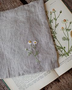 Camomile, chamomile, manzanilla. Simple floral embroidery from a botanical book. The best.