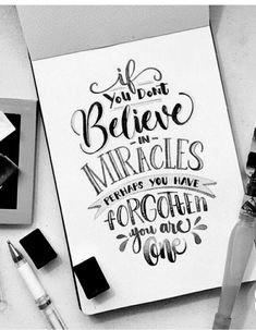 Handlettering - Sarah's World Calligraphy Quotes Doodles, Doodle Quotes, Hand Lettering Quotes, Creative Lettering, Calligraphy Letters, Typography Quotes, Typography Letters, Brush Lettering, Fonts Quotes