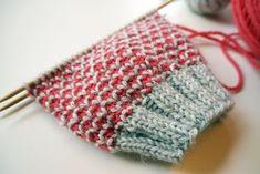 Stitch Patterns, Knitting Patterns, Crochet Patterns, Knit Or Crochet, Crochet Stitches, Knitting Socks, Knitted Hats, Fabric Yarn, Knitting Projects
