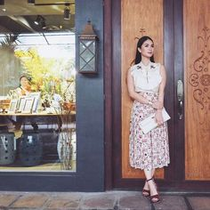 Heart Evangelista Style, Filipina Actress, I Love Fashion, Love Heart, Style Icons, Nice Dresses, What To Wear, Midi Skirt, Clothes For Women