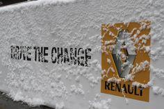 Stand Renault sotto la neve @Jen Show Bologna www.renault.it
