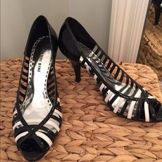 Gianni Bini patent leather heels Black & White heels in excellent used condition Gianni Bini Shoes Heels
