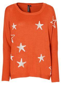 Veja agora:Pulôver de tricô com decote redondo e mangas morcego. A aplicação de estrelas na frente confere um brilho especial! Seguir as instruções de lavação que estão na etiqueta do produto.