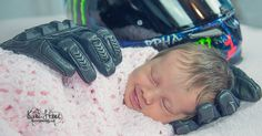This beautiful baby girl Aubrey became an Internet sensation when this photo of her enfolded her in Dad's motorcycle gloves, went viral! The story behind this photo sets it apart from others! Newborn Pictures, Baby Pictures, Cute Pictures, Random Pictures, Family Pictures, Foto Newborn, Newborn Poses, Sibling Poses, Newborns