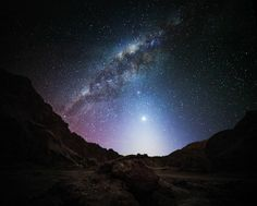 静寂な夜の世界、瞬く星空。あと少しだけ眺めていたいよ | roomie(ルーミー)