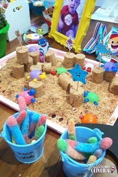 decoração  baby shark, mais ideias para festa,  com o passo a passo e moldes grátis  no no site. #decoraçãodefestas #diy #lembrancinhas #façavocêmesmodecoração #lembrancinhaspersonalizadas  #festa #diypartydecor #decoracao #decoração   #personalizadosdeluxo #babyshark #IdeiasDeDecoração #decoracaodeaniversario #diy Baby Hai, 2 Baby, Boy Birthday Parties, 2nd Birthday, Baby Shark Doo Doo, My Pool, Shark Party, First Birthdays, Digimon