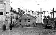 Largo das Portas do Sol, Lisboa, 1939. Eduardo Portugal in Arquivo Fotográfico da C.M.L..