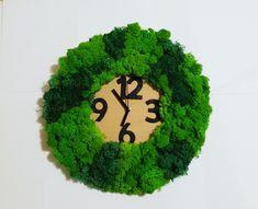 Reindeer moss clock