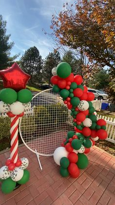 Holiday Balloon Garland Holiday Balloon Garland This elegant backdrop is the perfect addition to your event. Use it in the entrance a Christmas Gift Box, Christmas Store, Kids Christmas, Holiday Party Themes, Christmas Party Decorations, Holiday Decor, Christmas Balloons, Christmas Backdrops, Deco Ballon