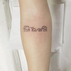 Tiny and Small Tattoo design & Model for 2017  Image    Description  26200916-elephant-tattoos