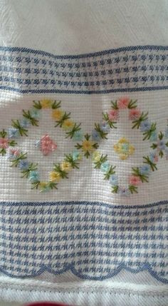 Hand Embroidery Designs, Embroidery Patterns, Huck Towels, Christmas Towels, Swedish Weaving, Vintage Handkerchiefs, Ribbon Work, Needlepoint Canvases, Bargello