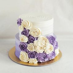 Purple ombré with cascading rosettes Wedding Cake Images, Wedding Cake Stands, Wedding Cake Designs, 14th Birthday Cakes, Birthday Cakes For Women, Purple Cakes, Purple Wedding Cakes, Budweiser Cake, Rosette Cake