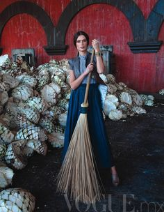 Elena Baguci by Michael Filonow for Vogue Mexico, 06/2011 / http://www.pinterest.com/maribelal/mexican%C3%ADsimo/