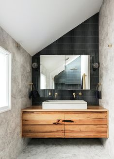 Once a falling-down wreck, this all-white cottage has been transformed into a glamorous family pad influenced by the owners' global roaming. Timber Vanity, Natural Bathroom, Wood Interior Design, House Inside, White Cottage, Australian Homes, All White, Bathroom Inspiration, Modern Luxury