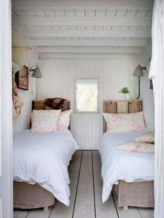 Cottage style l interior design inspirationl shabby chic decorating l small bedroom idea. 40 Timeless and Tranquil Interior Design Inspirations Part 1 - Hello Lovely. Beautiful Bedrooms, Small Spaces, Home, Home Bedroom, Bedroom Inspirations, Cottage Interiors, Small Bedroom, Beach Style Bedroom, Cottage Bedroom