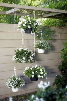 80 Awesome Spring Garden Decoration Ideas For Backyard & Front Yard - About Expert Design Patio Planters, Diy Patio, Backyard Patio, Backyard Landscaping, Diy Porch, Patio Wall, Landscaping Company, Landscaping Ideas, Vertical Gardens