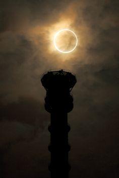 東京スカイツリーと金環日食。 on Twitpic
