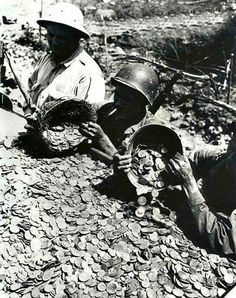 Gold and Silver coins recovered from the Japanese soldiers' safekeeping. Baguio City. c1945.  - simoun (image: google) History Icon, Home History, World History, World War Ii, Baguio City, Filipino Culture, Leyte, Bataan, Gold And Silver Coins