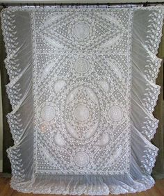 Exceptional Antique French Normandy Lace Antique Bedspread Coverlet Outstanding | Vintageblessings