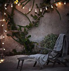 The Frosted White globe string light set with 25 bulbs is perfect for outdoor patios, decks, special event or Christmas lighting. Outdoor Rooms, Outdoor Gardens, Outdoor Decor, Outdoor Patios, Outdoor Lounge, Outdoor Seating, Outdoor Furniture, Exterior Design, Interior And Exterior