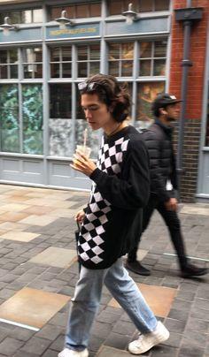 """pov: conan gray walks past u and u are surprised by how horrible his posture is"" Celebrity Crush, Celebrity Style, Conan Gray Aesthetic, Black Actors, Wattpad, Young Actors, Handsome Actors, Fandoms, British Actors"