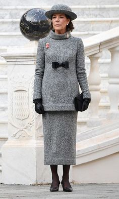 Also exuding classic style was Charlotte's mom Princess Caroline, who wore a grey tweed Chanel ensemble, designed by best friend Karl Lagerfeld for the fashion house's fall 2017 haute couture collection. We especially love the black bow detail. Grace Kelly, Royal Fashion, Fashion Photo, Royal Clothing, Monaco Royal Family, Charlene Of Monaco, Princess Charlene, Charlotte Casiraghi, Glamour