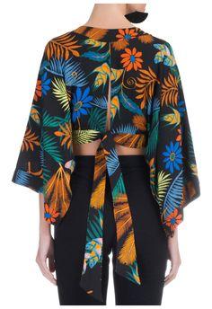 FARM - Blusa cropped kimono folclorita - preta - OQVestir
