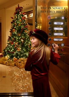 Children and adults alike will be dazzled by the colorful lights and festive décor throughout the hotel this holiday season. To celebrate winter, guests will be welcomed with a fragrant cup of complimentary hot apple cider in the lobby.