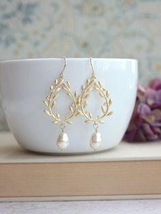 Laurel Wreath Earrings. Cream Ivory Teardrop Pearl Gold Laurel Wreath Earrings. Wedding Earrings, Bridal Earrings, Bridesmaids Gift by Marolsha on Etsy https://www.etsy.com/listing/154116976/laurel-wreath-earrings-cream-ivory