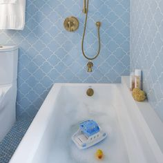 Whimsical and refined MADE Shapes Scalloped tile creates bathroom that dreams are made of. Scallop Tiles, American Crafts, Bath Caddy, Home Renovation, Bathtub, Sacks, Whimsical, Ann, Dreams